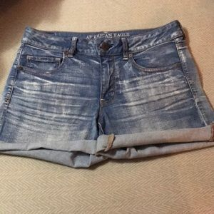 American Eagle Outfitters Shorts - Midi Shorts